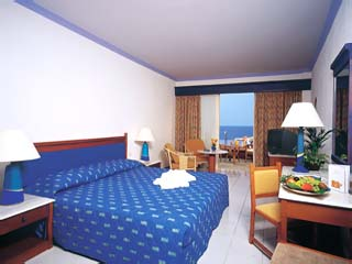 Garden Deluxe Room with Sharing Pool