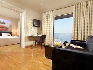 Bedroom suite sea view